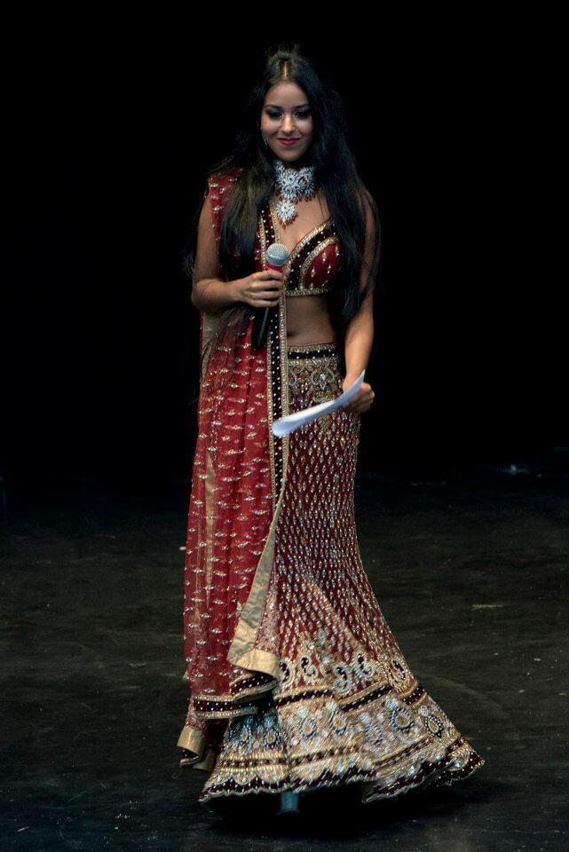 Presentator Reena Badeloe